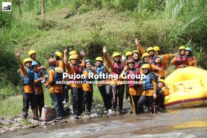 Gathering MI Plus Al Mahmud bersama Pujon Rafting Malang